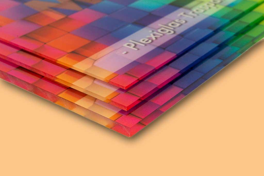 Plexiglass: Un Materiale Dalle Caratteristiche Straordinarie